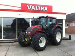 Valtra N141