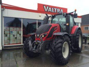 Valtra T144